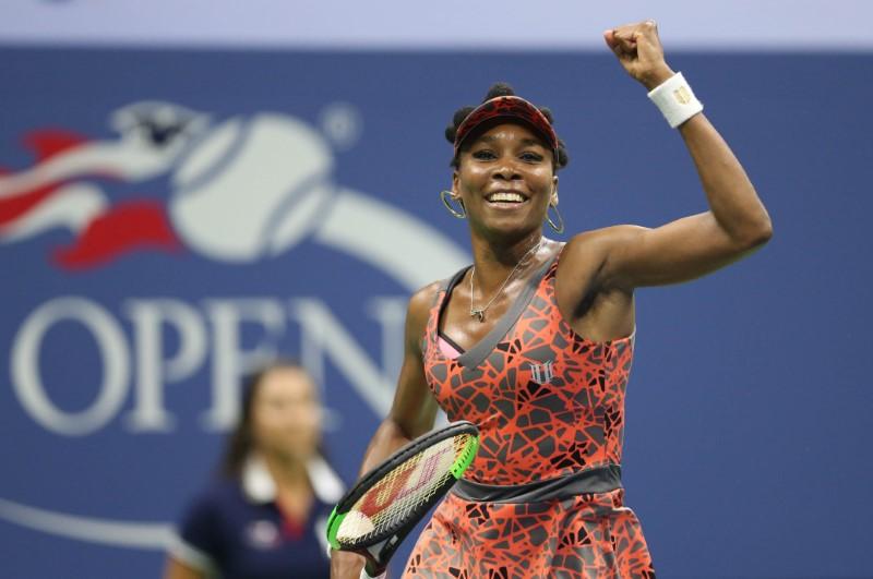 Venus Williams beats Petra Kvitova to seal semi-final berth