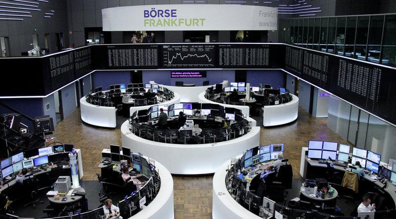 2017 09 25T153640Z 1 LYNXNPED8O1F2 RTROPTP 0 MARKETS EUROPE STOCKS 1 - European shares inch higher as Merkel hangs on to power