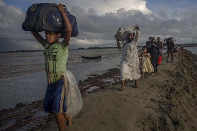 Children drown as Rohingya boat capsizes