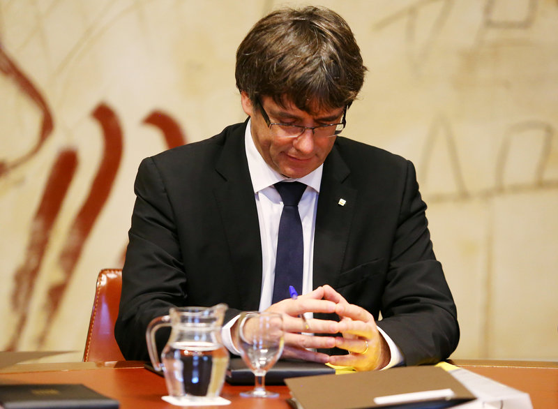 2017 10 10T101245Z 1 LYNXMPED990P0 RTROPTP 0 SPAIN POLITICS CATALONIA 1 - Catalonia nears possible independence proclamation despite Madrid warnings