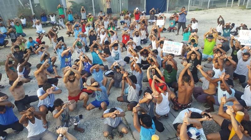 Asylum seekers protest on Manus Island