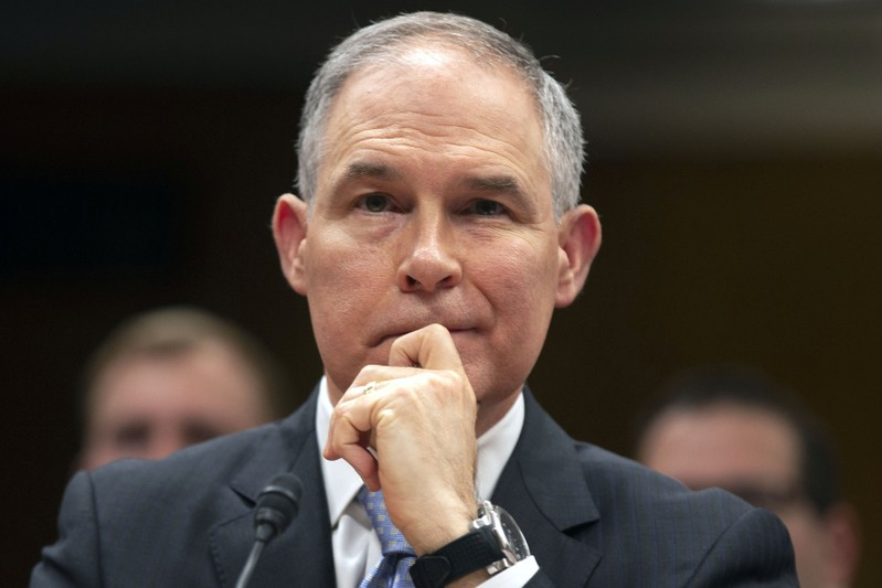 Farmers at odds with EPA chief over bio-fuels