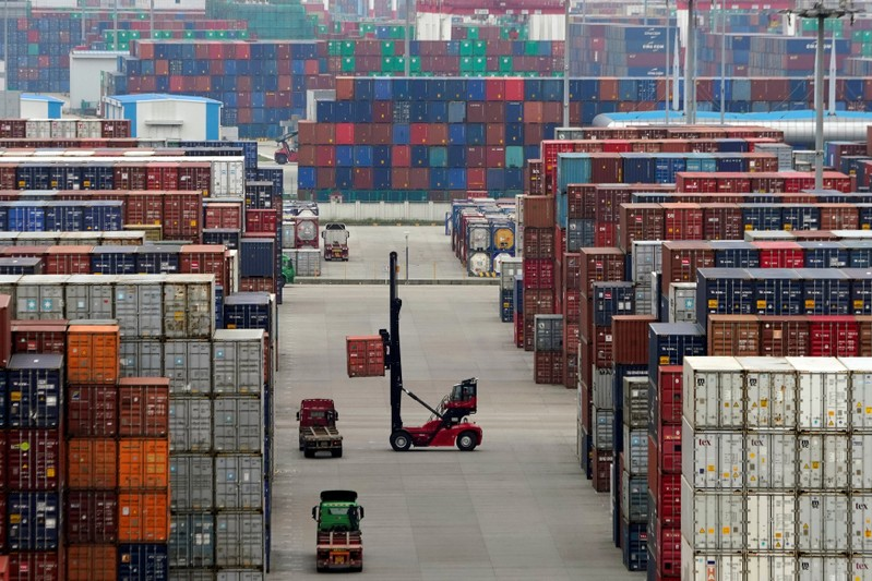 Trump announces 25% tariff on Chinese imports