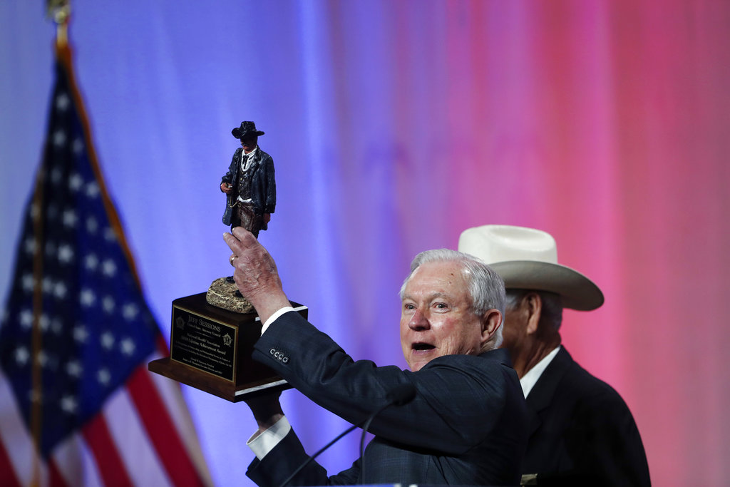 AG Sessions Receives National Sheriff's Association Lifetime Achievement Award