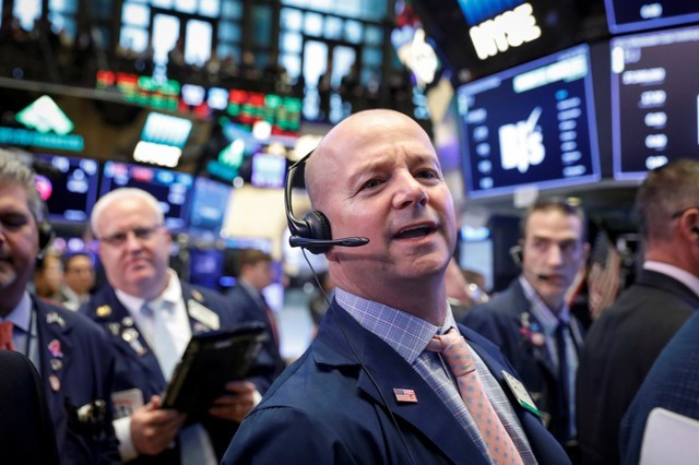 Markets Right Now: Markets snap higher despite trade tiff