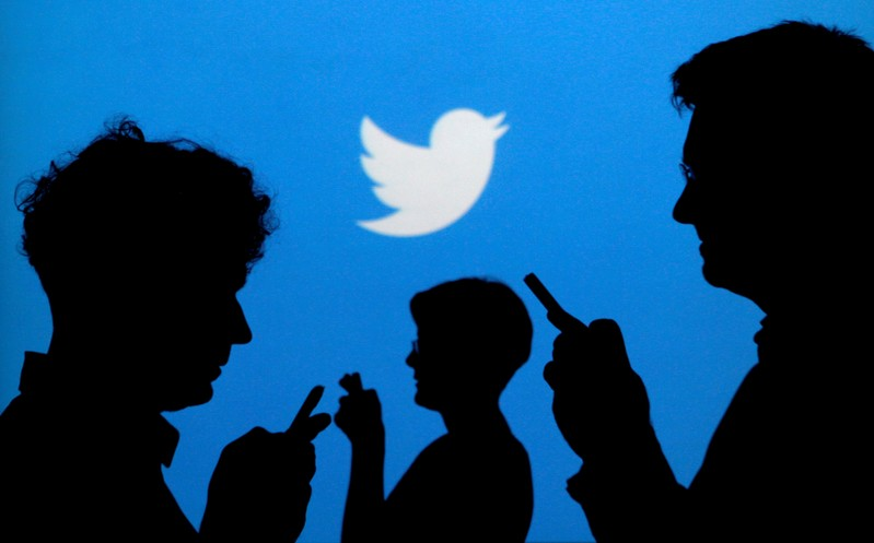 Twitter falls by $6bn after losing 1m users