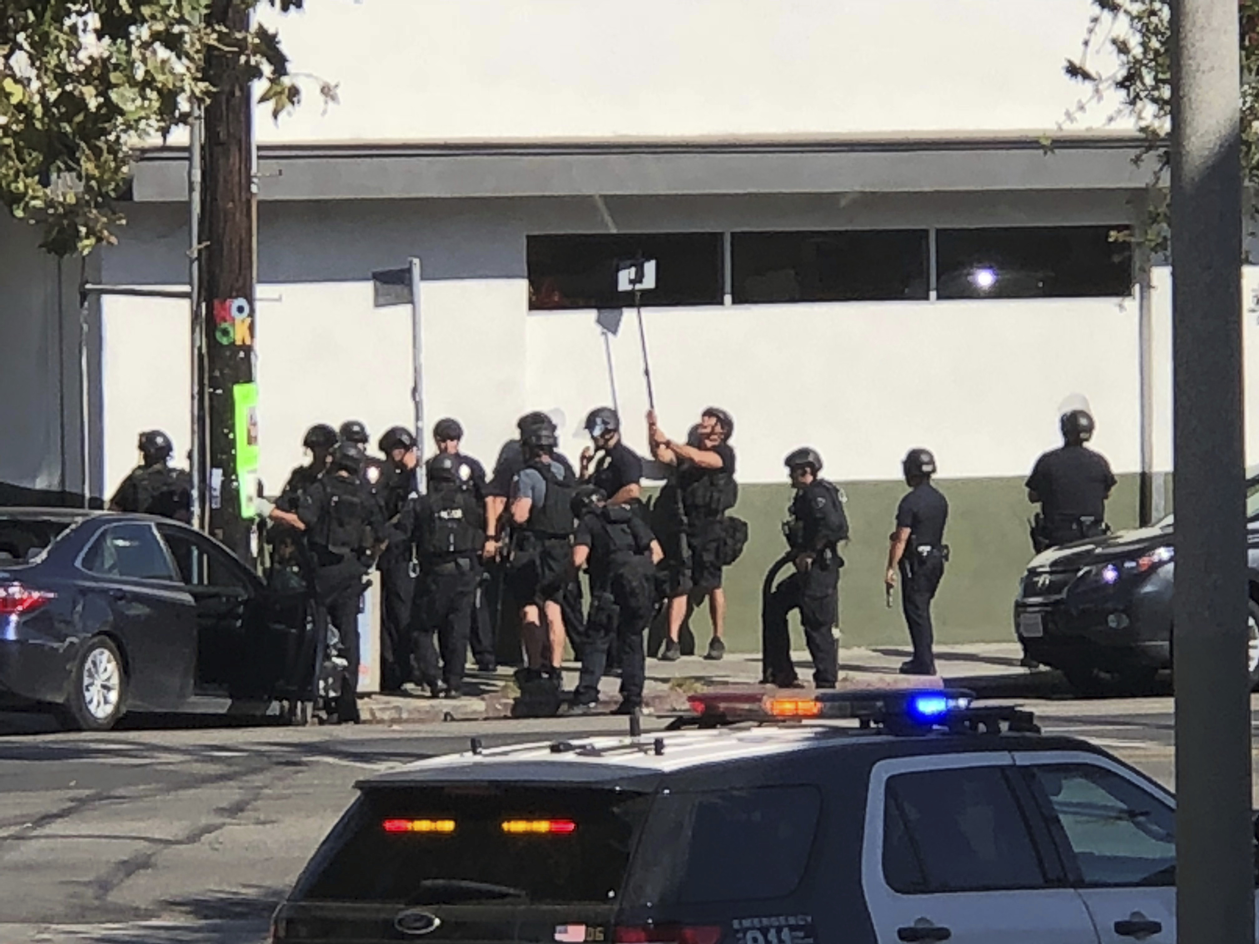 Armed standoff at Los Angeles Trader Joe's: 1 dead