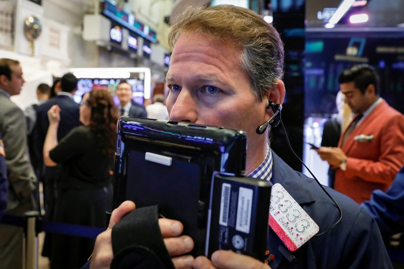 US stocks up, S&P 500 reaches record closing high