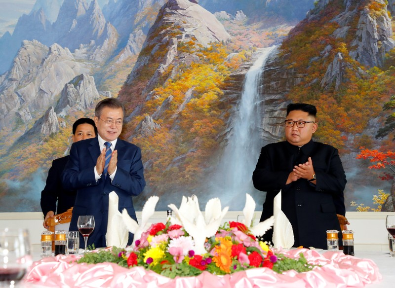 Moon and Kim agree to nuke-free Korean peninsula after summit
