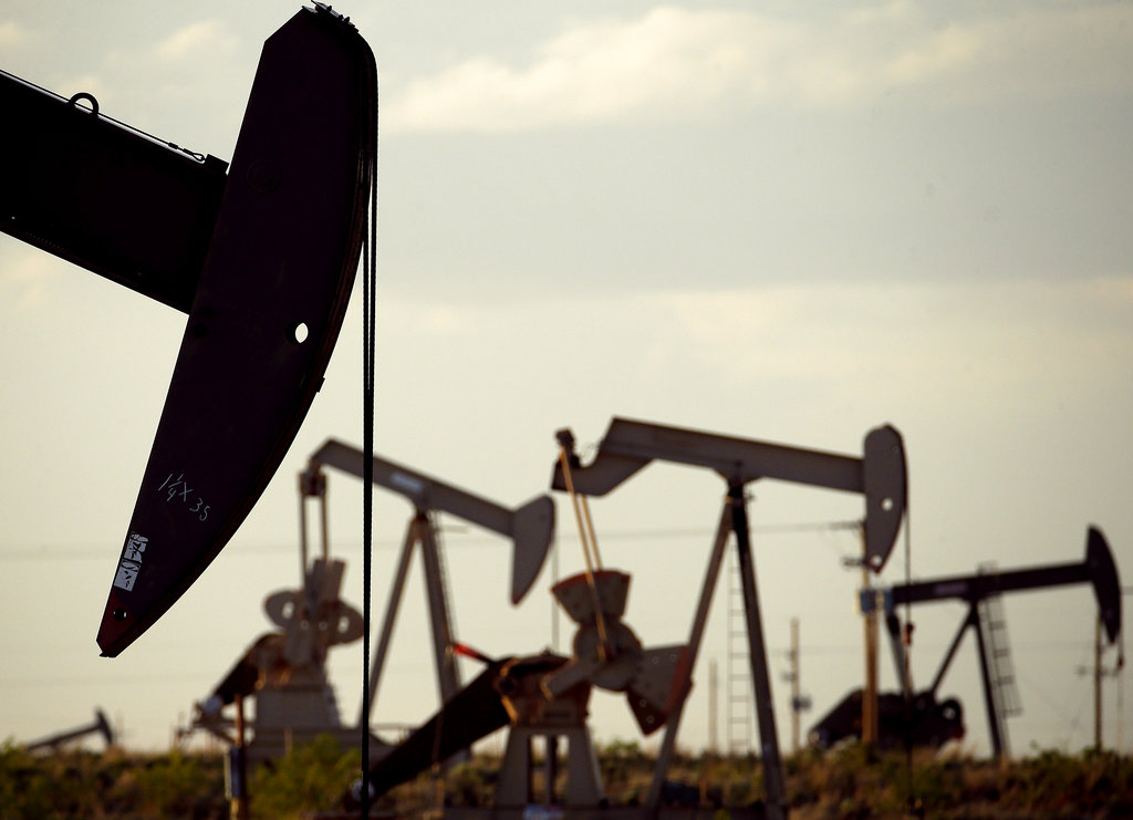 Fracking helped make the USA  the world's oil king