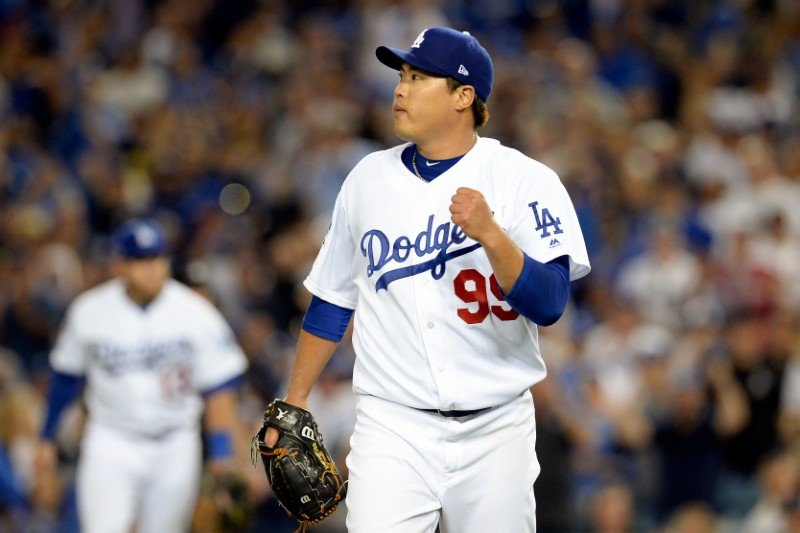 Dodgers shut out Braves to take Game 2 in NLDS