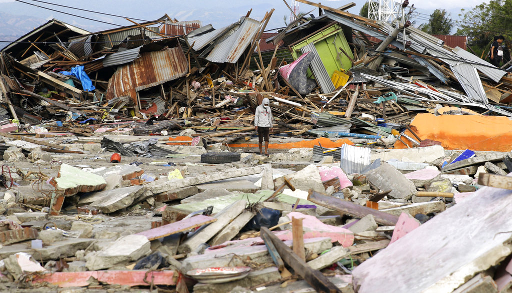Indonesia quake : Death toll exceeds 1700, as many as 5000 missing