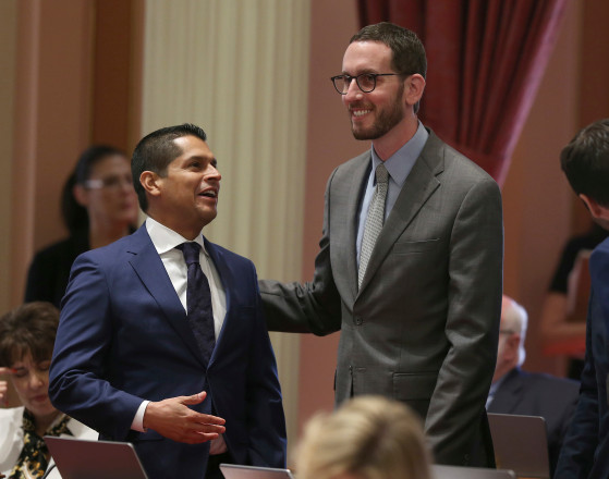 California net neutrality bill signed by Jerry Brown