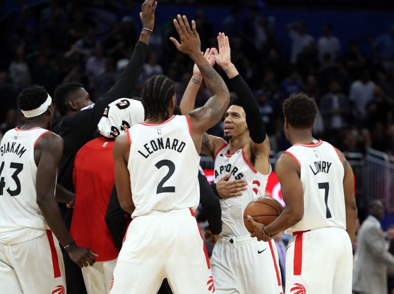 NBA:奥兰多魔术队的多伦多猛龙队