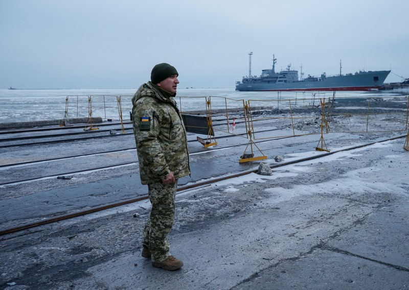 United Kingdom docks warship in Ukraine in solidarity