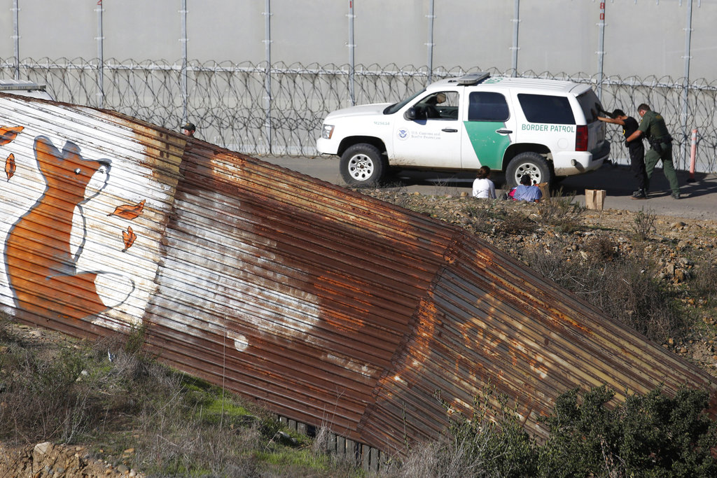 United States government faces shutdown over border