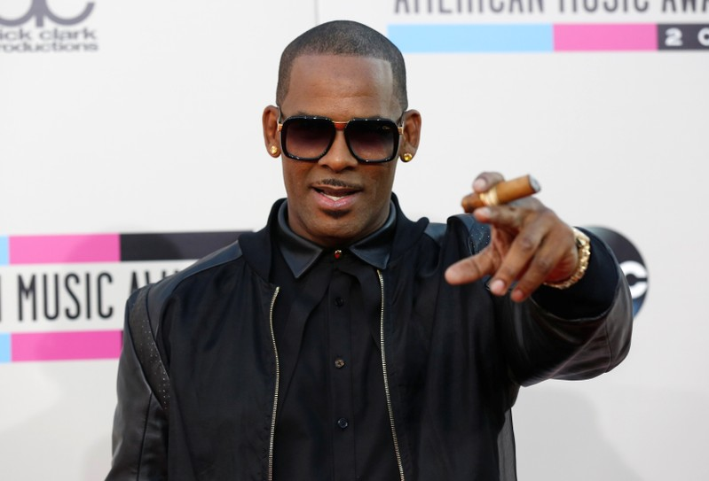FILE PHOTO: Singer R. Kelly arrives at the 41st American Music Awards in Los Angeles