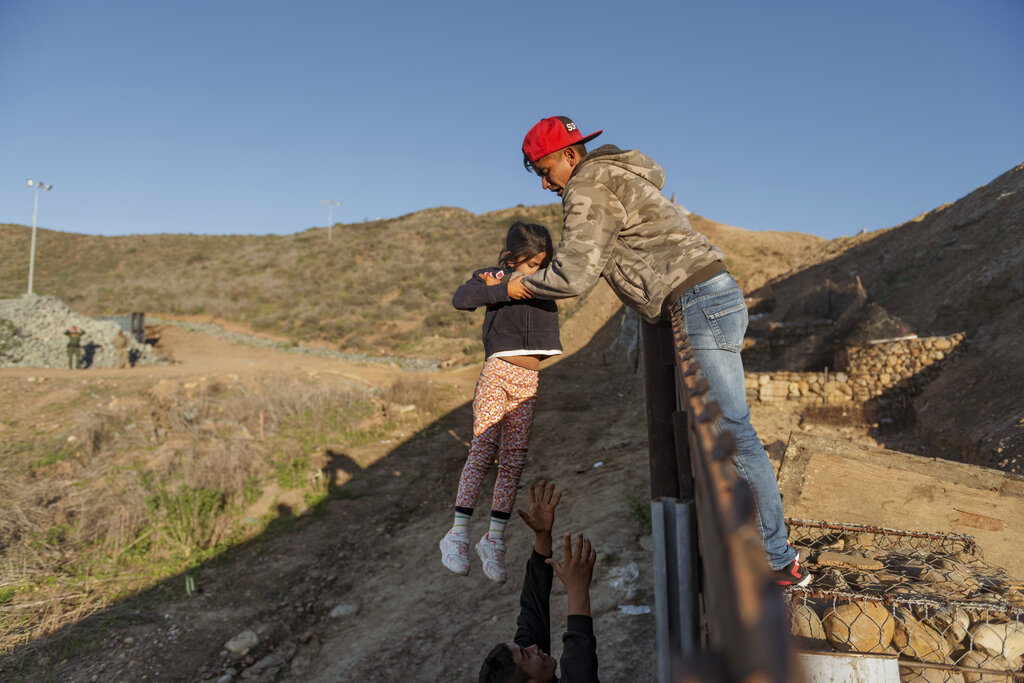 U.S. returns asylum seekers under 'Remain in Mexico' policy