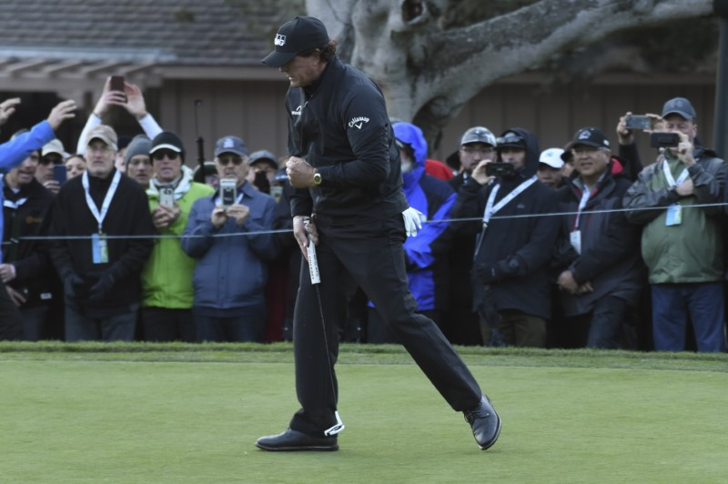 PGA: AT&T Pebble Beach Pro-Am - Final Round
