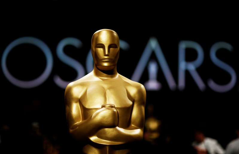 Oscars bosses ditch plans to hand out awards during ad breaks