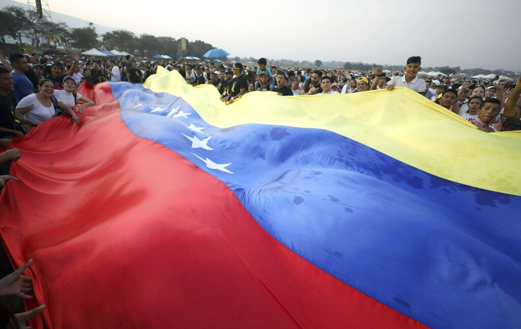 Tens of Thousands at Aid Concert for Venezuela