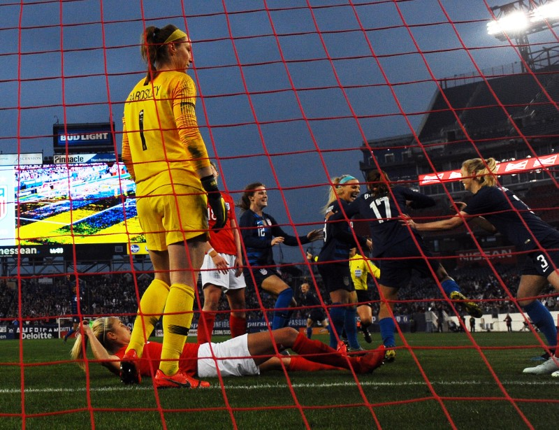United States women tie England 2-2 at SheBelieves Cup