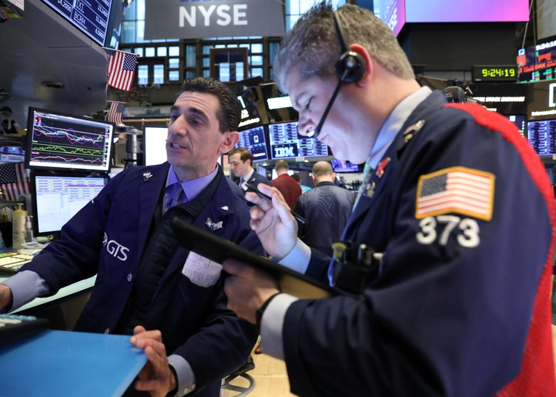 Anxiety on Wall Street as USA yield curve inverts