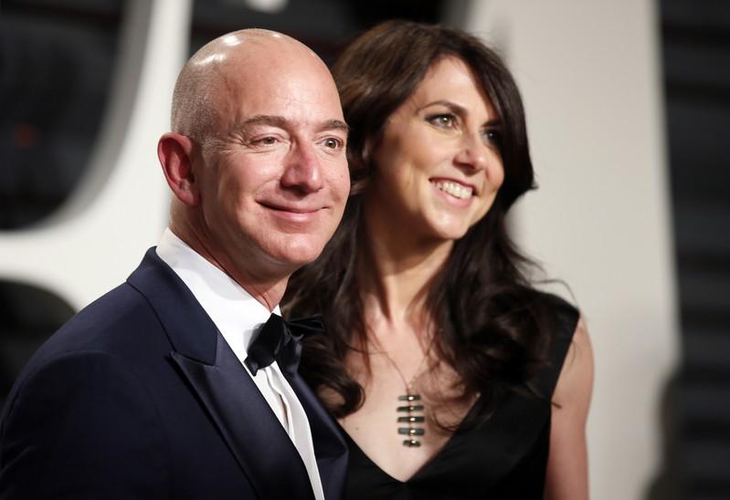 FILE PHOTO:  89th Academy Awards - Oscars Vanity Fair Party