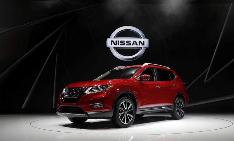 FILE PHOTO: U.S. probes 675,000 Nissan SUVs over unexpected braking