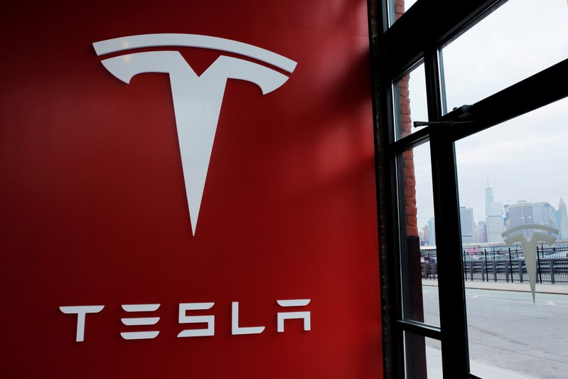 Elon Musk, SEC get more time to resolve fight over Tesla tweets