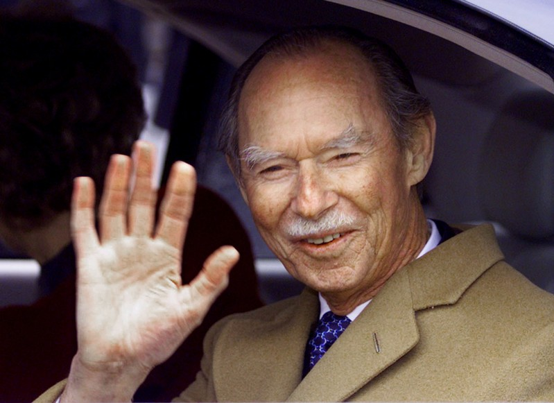 FILE PHOTO: Luxembourg's Grand Duke Jean waves from his car during a visit to the Belgian northern city of Ghent