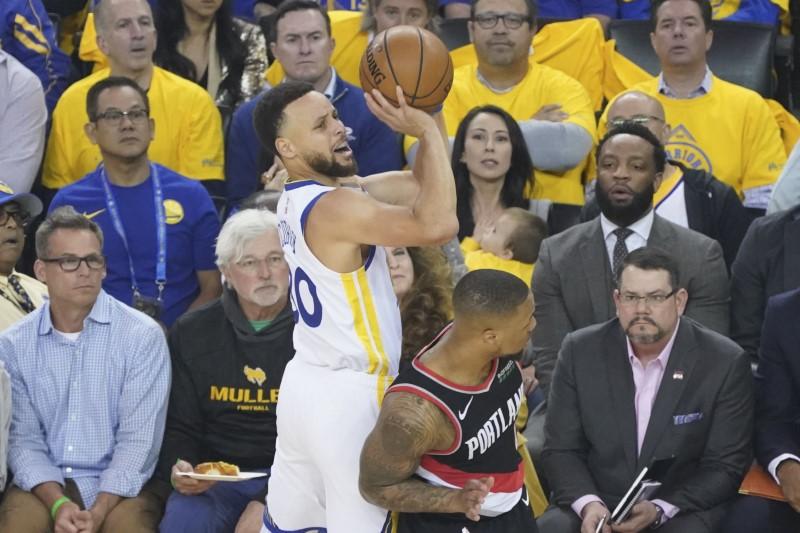 1133fbe56125 NBA  Playoffs-Portland Trail Blazers at Golden State Warriors