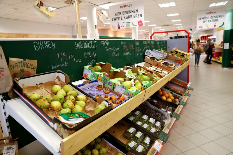 FILE PHOTO: Vegetables are pictured at Sir Plus supermarket for surplus in Berlin