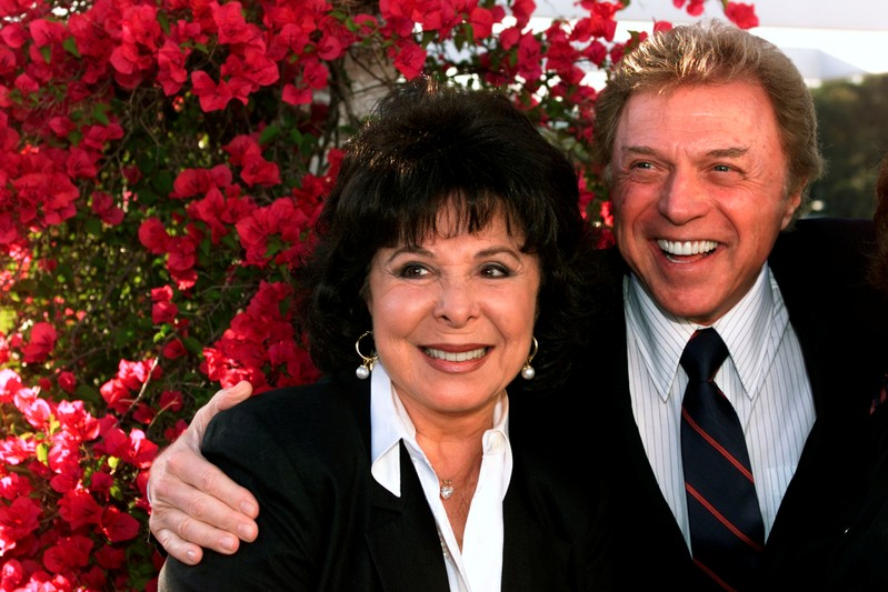 FILE PHOTO: STEVE LAWRENCE AND EDYIE GORME AT LARRY GELBART TRIBUTE.