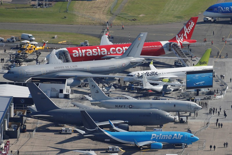 Airbus and Boeing aircraft deals at Paris Airshow