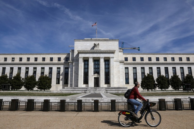 U.S.  interest rates cut for first time in a decade