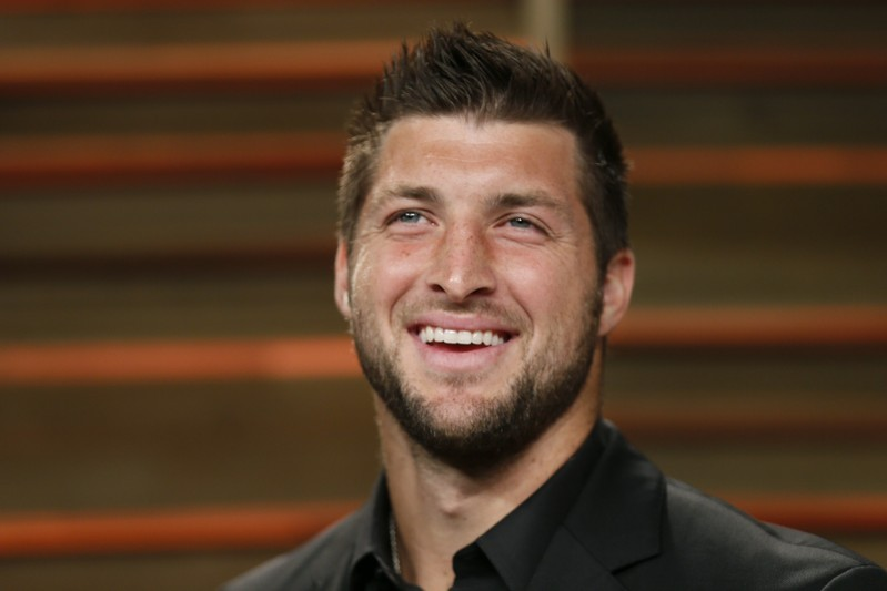 Tim Tebow Reportedly Will Miss Rest Of Season With Finger Injury