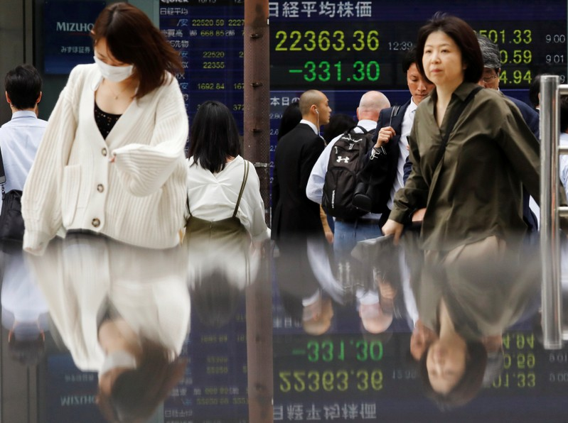 China Lets Currency Sink to 11-Year Low Amid Trade Troubles