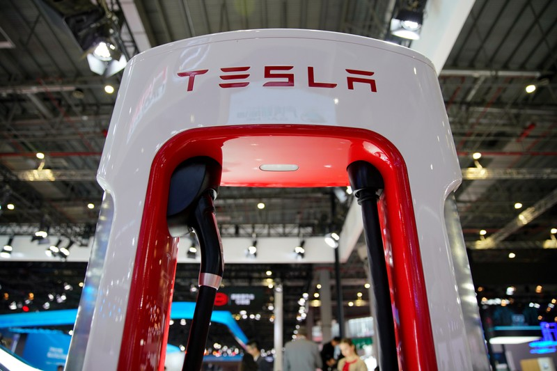 Tesla Is Expected To Deliver Record 100,000 Cars This Quarter