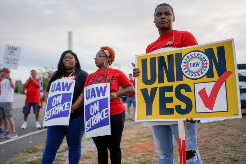 UAW VP indicates talks with GM hit snag amid strike