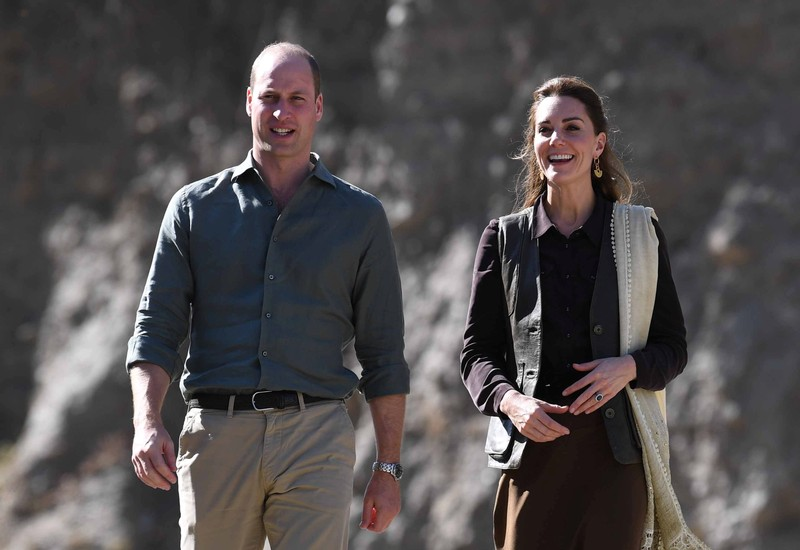Kate Middleton, Prince William's plane diverted during electrical storm in Pakistan
