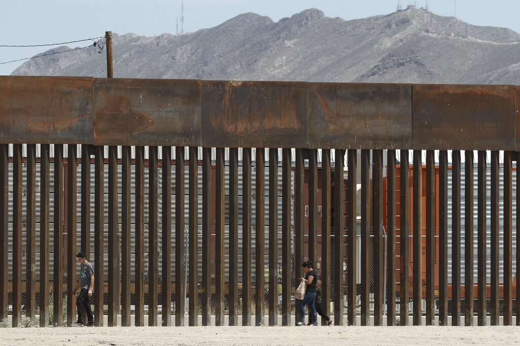 Smugglers are sawing through the border wall