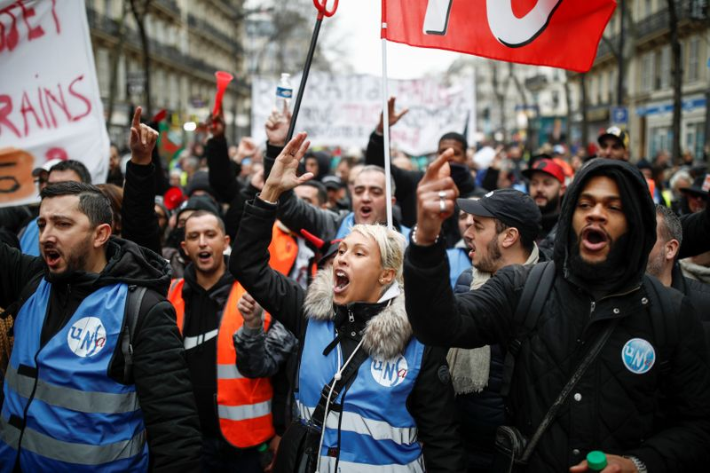 Union boss vows to press on with France's longest strike in decades