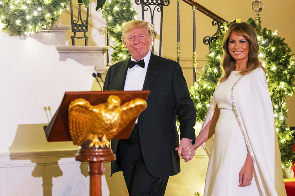 Trump's Christmas Eve admission: No gift yet for Melania