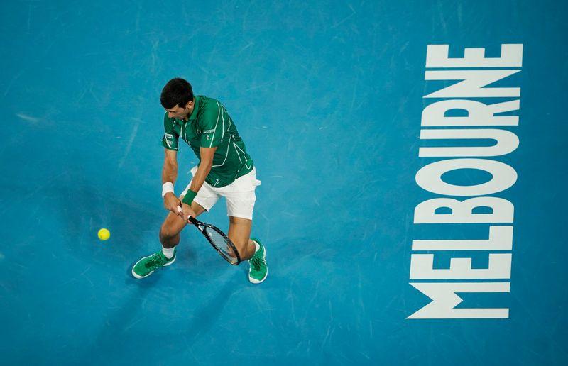 Djokovic defeats Federer to reach 8th Australian Open final