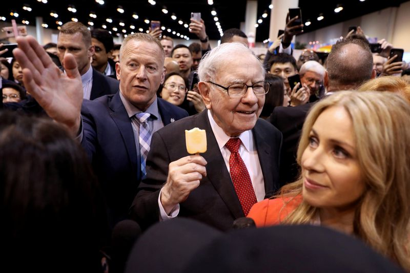 Buffett says coronavirus doesn't dampen his long-term support for stocks