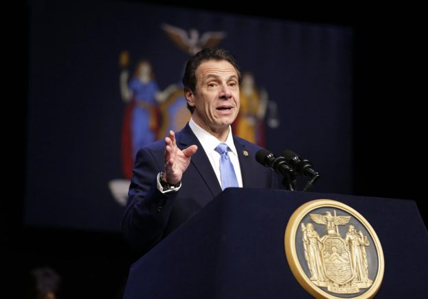 NY  could sue US  in travel, immigration disagreement: Cuomo