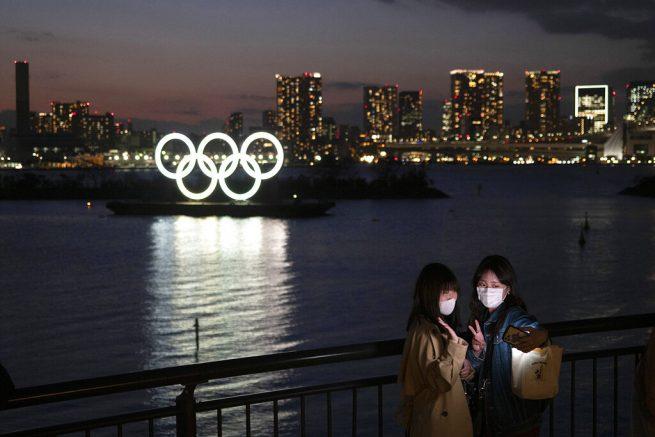 Scenarios for an Olympics under the shadow of coronavirus