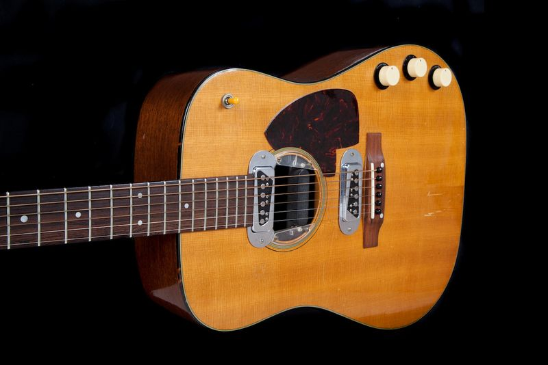 Kurt Cobain's MTV Unplugged guitar up for $1m auction