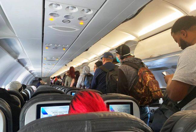 Coronavirus: US airlines mandating facial coverings for all passengers